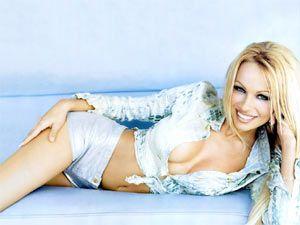 Pamela Anderson - 42